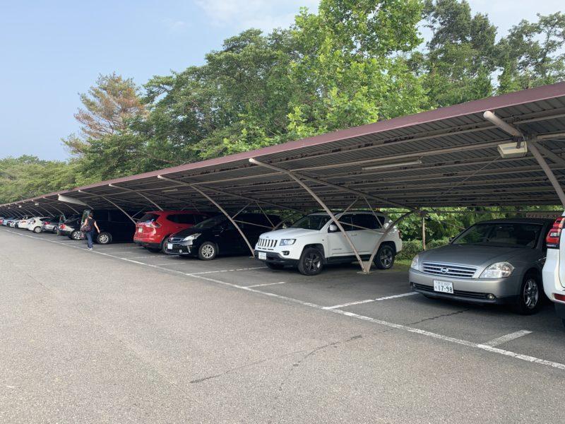 高麗川カントリークラブの駐車場
